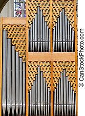 器官, 教堂