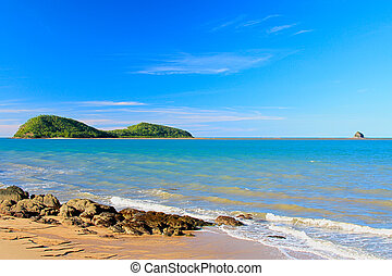 double is - Double Island off Palm Cove QLD Australia
