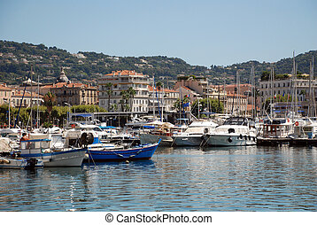 Yacht port in Cannes - View of the yacht port of Cannes