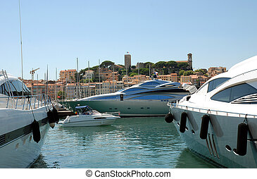 Yachts in Cannes - Yachts in the port of Cannes south of...