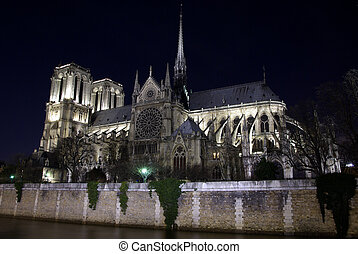 Notre-Dame cathedral by night - Image of Notre-Dame...