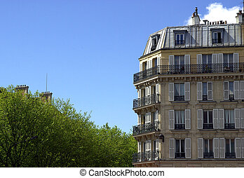 Typical Parisian building - Image of a typical Parisian...