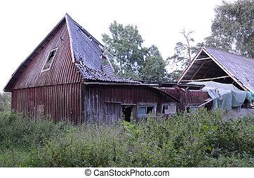 Ramshackle - Ramshacle red barn