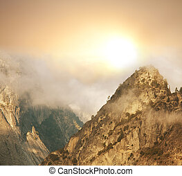Fog in mountains - autumn fog in Yosemite