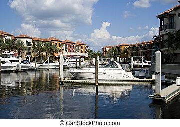 Naples Marina - Small Marina in Naples Florida