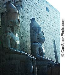 Luxor - Statue in Luxor
