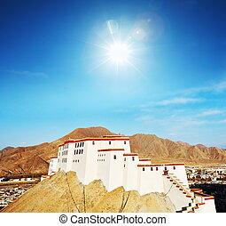Monastery in Tibet - Ancient tibetan fortress in Gyantse,...