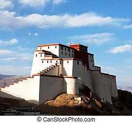 Tibet - Shigatse monastery in Tibet