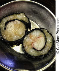 This picture shows the dimsum in the hongkong styles.