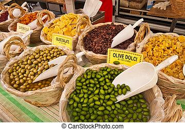 Fruit & Vegetable Stand in Castiglione del Lago