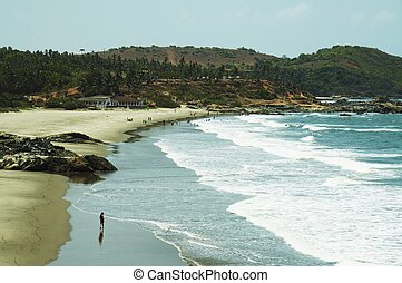 Beach scenery-sand coastlines and Indian ocean waves