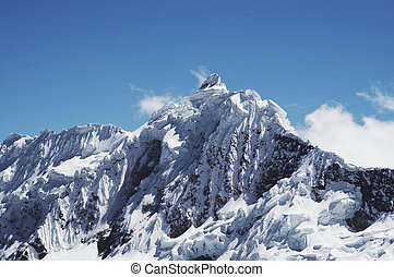 Peak Jancarurish in the Cordilleras - View Jancarurish peak...