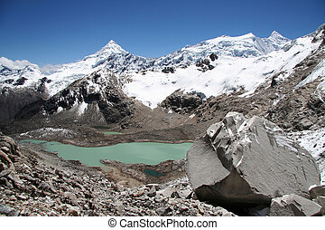 Beautiful lake in Cordilleras - Beautiful green lake in...