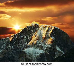 Cordilleras mountain on sunset - Beautiful sunset in...