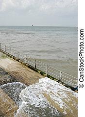 Wysoki,  margate, Okres,  slipway,  Kent,  UK, Łódka