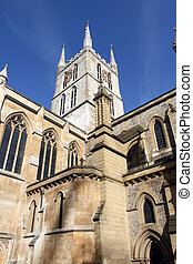 Southwark Cathedral - Londons first Gothic and oldest...