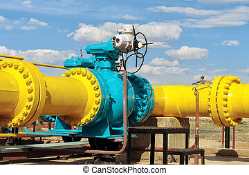 Ball valve on a gas pipeline - Above ground gas pipeline and...