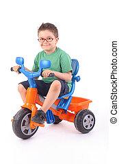 jovem, Menino, Montando, seu, triciclo