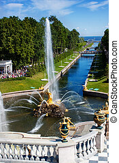 Fountain and golden statues in Peterhof