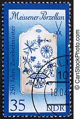 Postage stamp GDR 1989 Breadboard, Meissen Porcelain - GDR -...