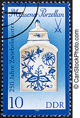 Postage stamp GDR 1989 Tea Caddy, Meissen Porcelain - GDR -...