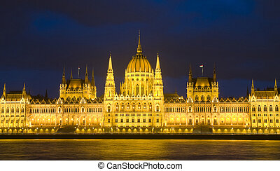 Hungarian parlament - The Hungarian parlament building in...