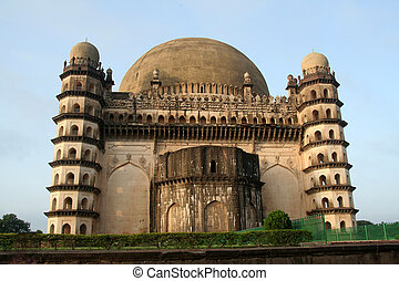 Backside of Gol Gumbaz - View of backside of famous monument...