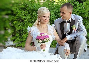 happy bride and groom, outdoors porteait
