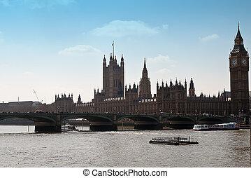 Westminster Bridge with Big Ben in London .