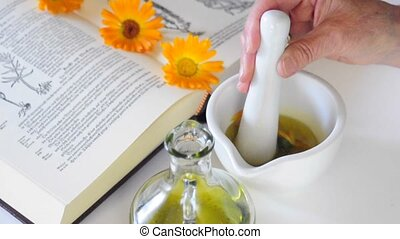preparing calendula oil