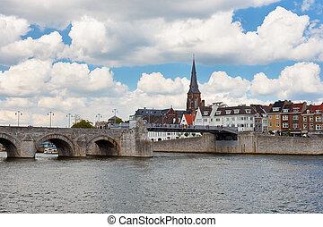 Saint Servatius Bridge in Maastricht - Saint Servatius...