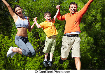 Let?s jump! - Simultaneous family jump manifesting love for...