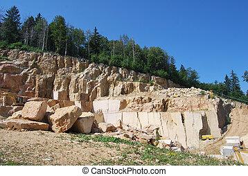 lavorazione marmo cava - coltivazione e lavorazione di marmo...