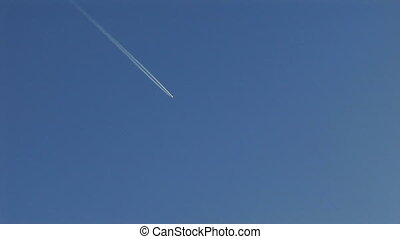 contrail - airplane contrail.