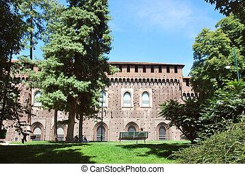 Milano - Castello sforzesco nel centro di Milano. expo 2015