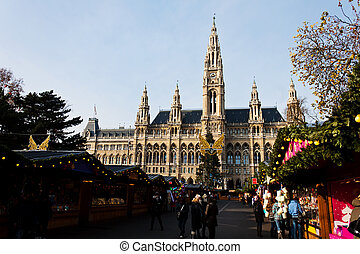 city hall with christmas market - the vienna city hall...