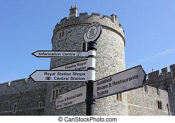 Sign post at windsor castle - a signpost at windsor castle...