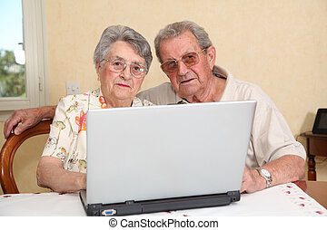 Elderly people and internet technology