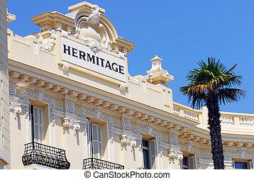 Monaco and Monte Carlo Kingdom - Architecture, statues and...