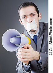 homem negócios, shouting, via, alto-falante