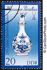 Postage stamp GDR 1989 Vase, Meissen Porcelain - GDR - CIRCA...