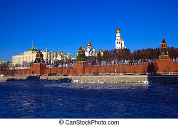 Moscow Kremlin in winter Russia - View of Moscow Kremlin in...