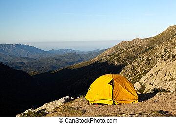 montañas, campamento, tienda