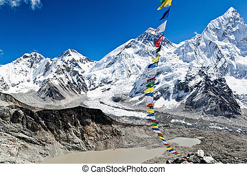 Mount Everest View - Mount Everest Summit in Himalaya...