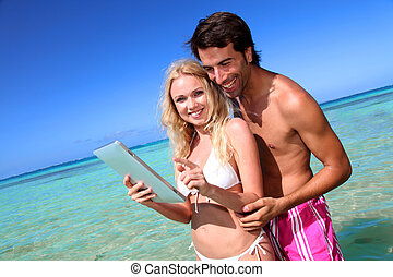 Promoting honeymoon travel destination