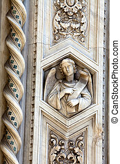 Florence - elaborate decorations of the portal on the Duomo...