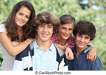 grupo, adolescentes, después, escuela