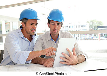Arquitectos, trabajando, construcción, plan