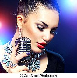 cantando, mulher, microfone, retro