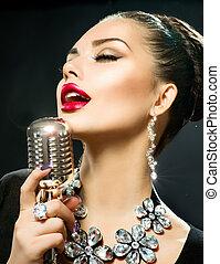 canto, mujer, con, retro, micrófono